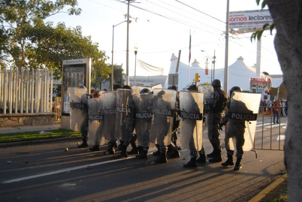 Police in riot gear were awaiting the demonstrators at the Expo Guadalajara.
