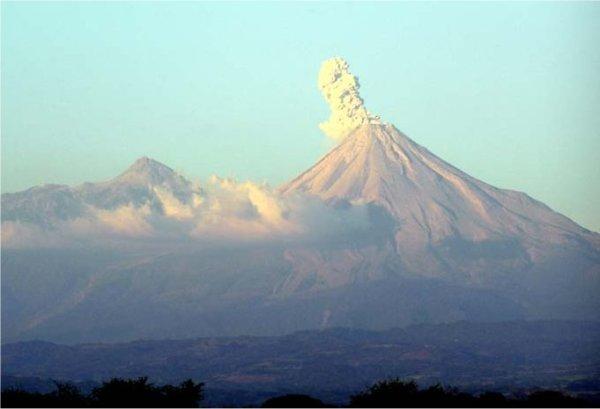 VolcanErupt1