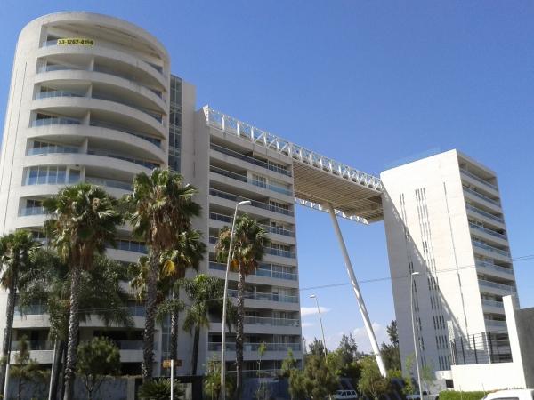 The luxury Zotogrande residential complex was linked to veteran kingpin Rafael Caro Quintero.