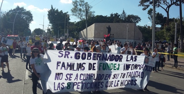 Demonstrators in Guadalajara demand the Jalisco governor fulfil his promises to help find their missing relatives.