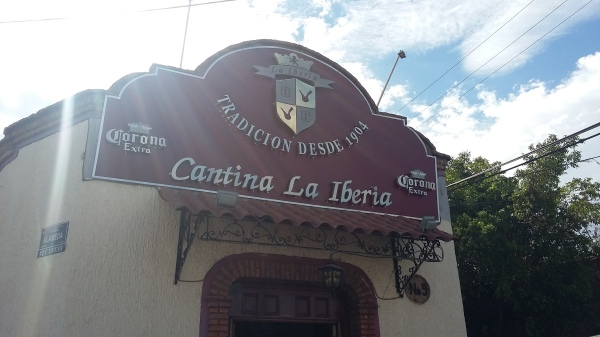 Originally founded in the 1870s under the name El Bosque, this cantina was renamed La Iberia after a group of Spaniards won it in a game of poker in 1904.