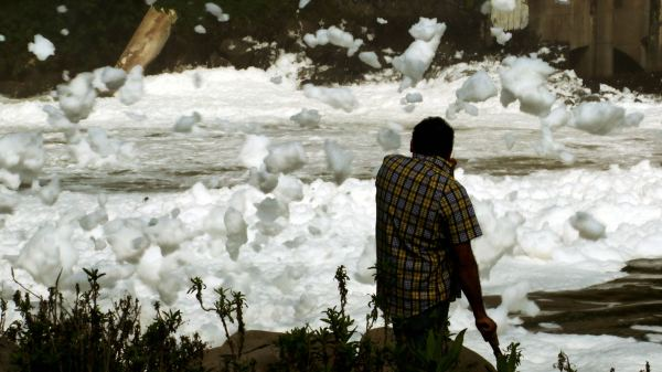 The pollution at El Salto. Photo by IMCINE-Tecolote Films-PIANO.
